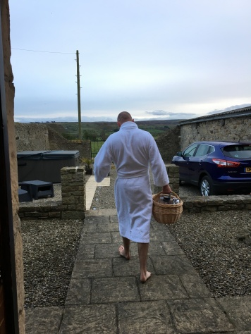 Rob heading for the hot tub with a basket of drinks :)!